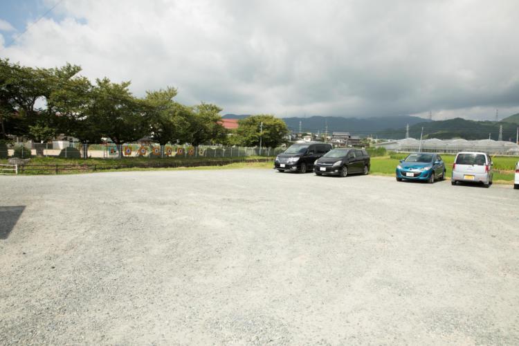 基山保育園駐車場