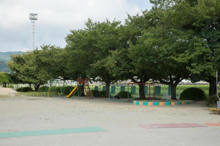 基山保育園グラウンド遊具
