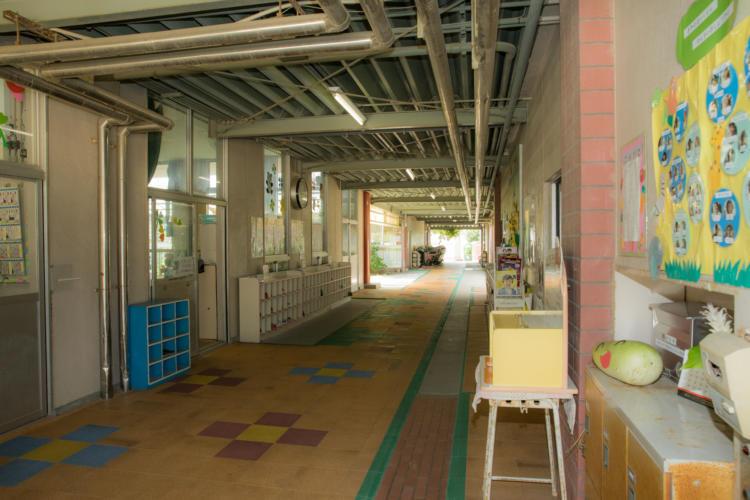 園舎の廊下