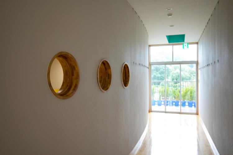 たんぽぽ保育園の廊下