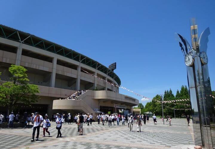佐賀森林公園の球場写真