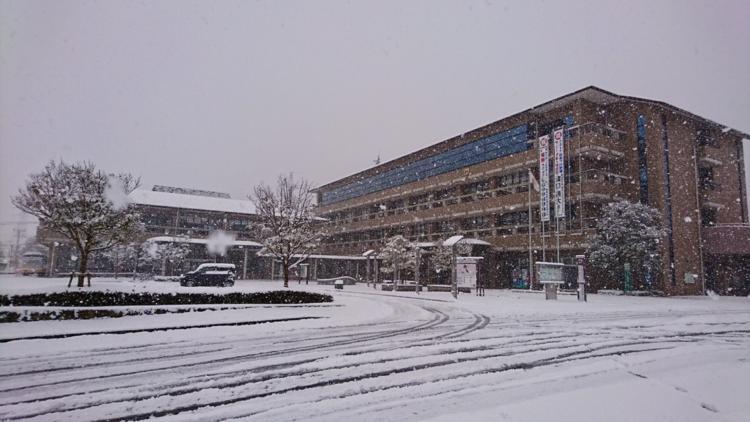 基山町役場の雪