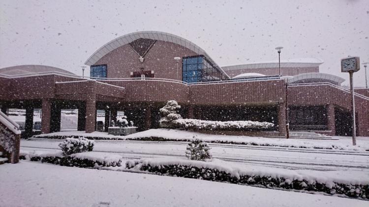 基山町民会館の雪